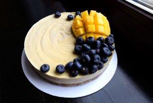 RAW торт Манго-Маракуйя (1000 гр)